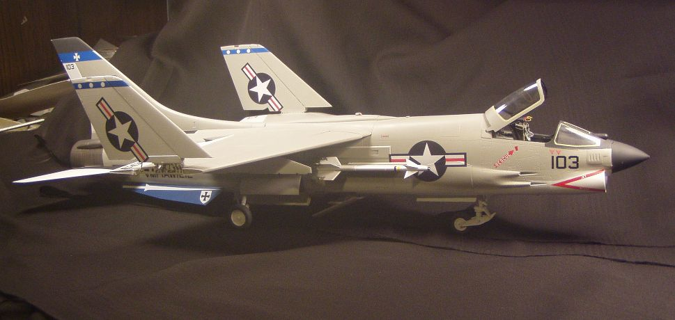 F-8Efinished001_zpsf031f33f.jpg